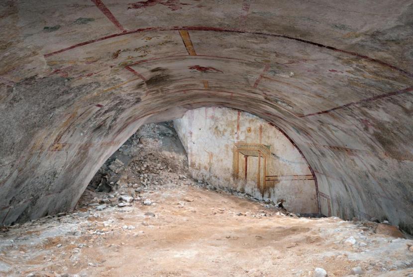 Sphink Room, ruang bawah tanah penuh dengan emas yang dibangun oleh Kaisar Nero.