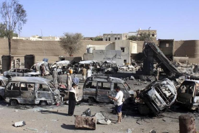Salah satu sudut kota di Yaman, usai perang.