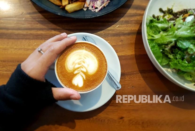 Kedai kopi diprediksi terus bermunculan di Indonesia karena permintaannya masih besar.