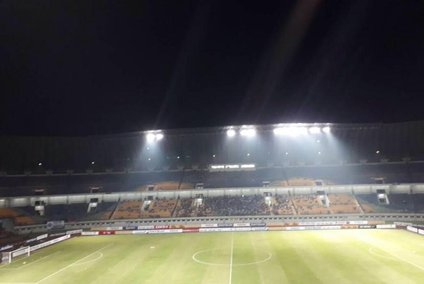 Jelang Persib Vs Persiba Stadion Gbla Sepi Republika Online