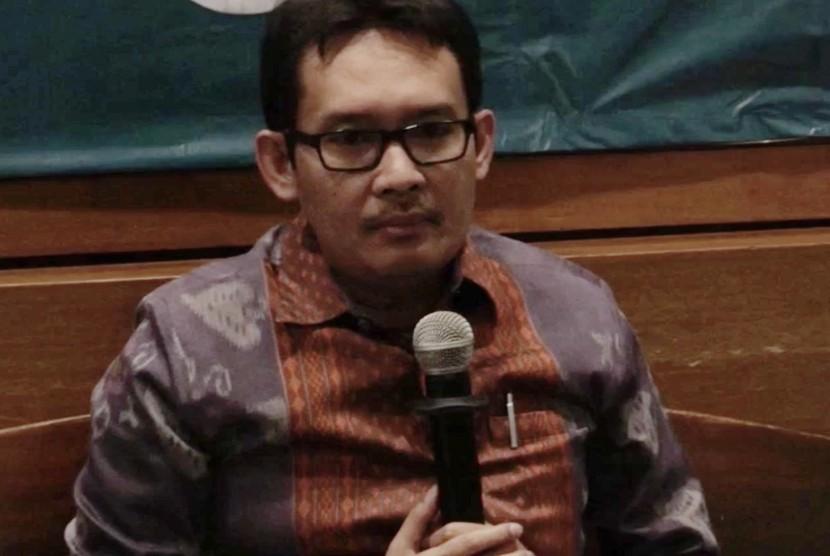 Staf Khusus Presiden Bidang Ekonomi, Ahmad Erani Yustika