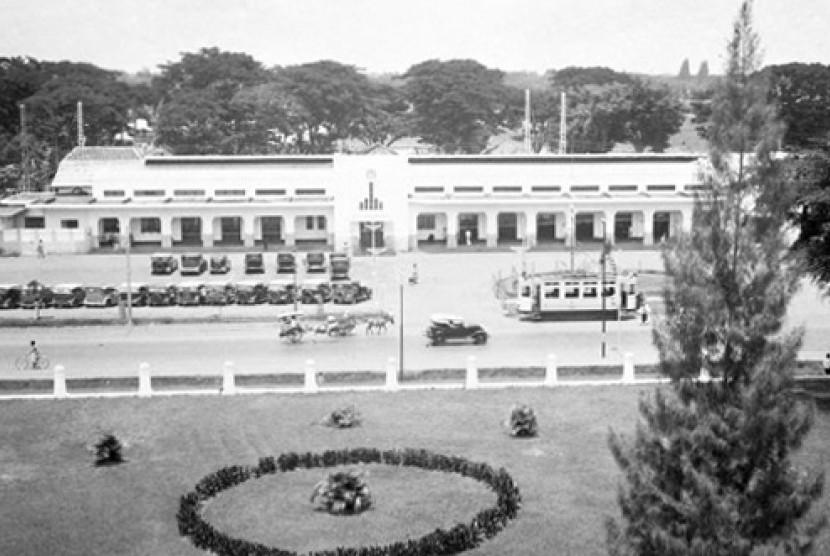 Stasiun Gambir di tahun 1939