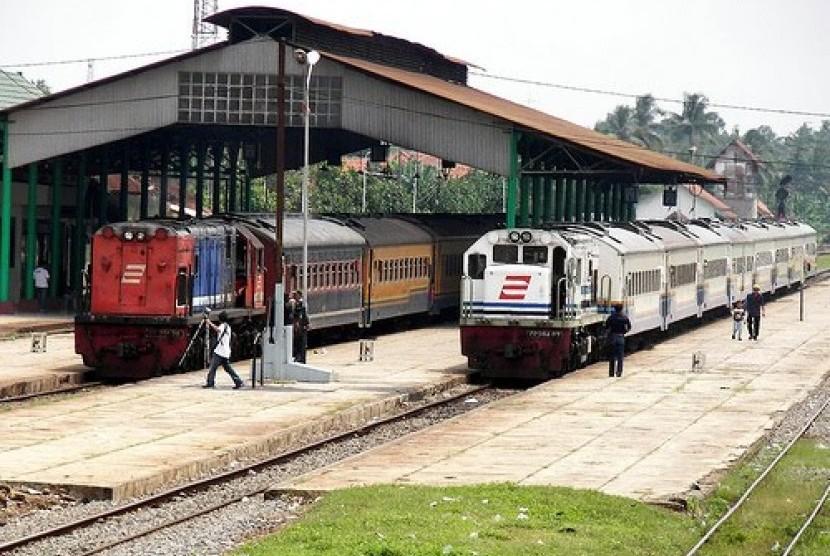 Stasiun Kroya di Cilacap.