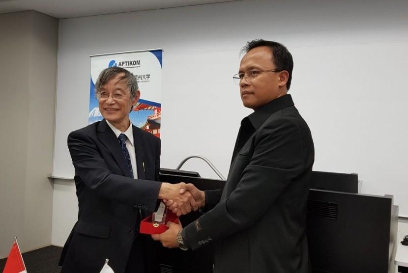 STMIK Nusa Mandiri menjalin kerja sama dengan Universitas Kogauin, Jepang.