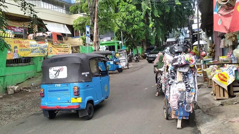 Suasana di luar Pasar Cipete, Jakarta Selatan (ilustrasi).