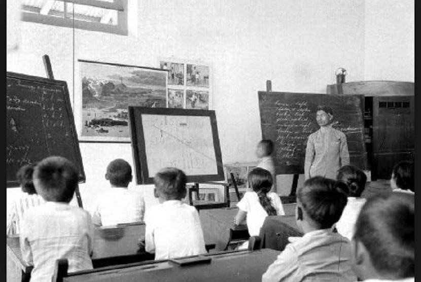 Pendidikan Era Kolonial Pembeda Pribumi Ningrat Dan Melarat Republika Online