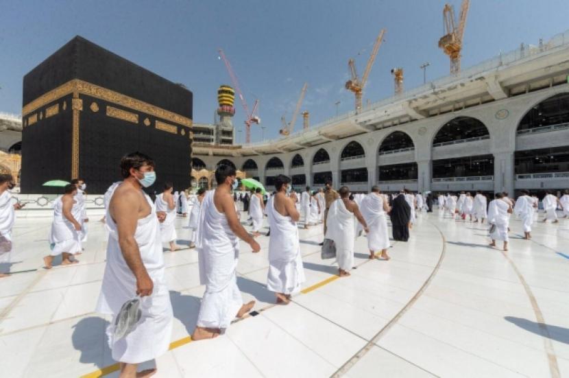 Jumlah Jamaah yang Boleh Melaksanakan Haji Tahun Ini. Foto: Suasana ibadah haji di musim haji tahun lalu (1421 H). Jamaah harus tata proces karena haji di masa pandemi