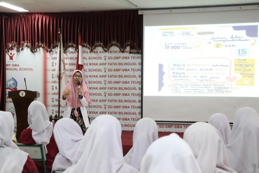Suasana kegiatan belajar di Sekolah Teuku Nyak Arif (TNA) Fatih Bilingual School Banda Aceh.