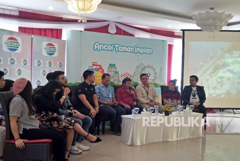 Suasana Konferensi Pers Ancol Kemerdekaan Festival: Road to Asian Games 2018 di Gubug Mang Engking, Ancol, Rabu (8/8). Hadir pula dalam konferensi pers tersebut Rhoma Irama beserta beberapa artis Ibukota jebolan D'Academy dan Liga Dangdut Indonesia.