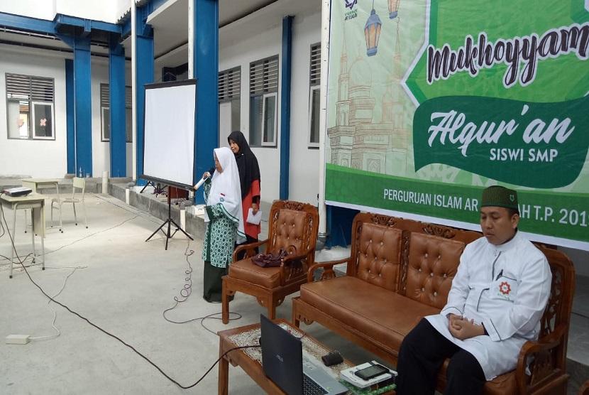 Suasana Mukhayyam Alquran yang diadakan oleh SMP Islam Ar Risalah Padang.