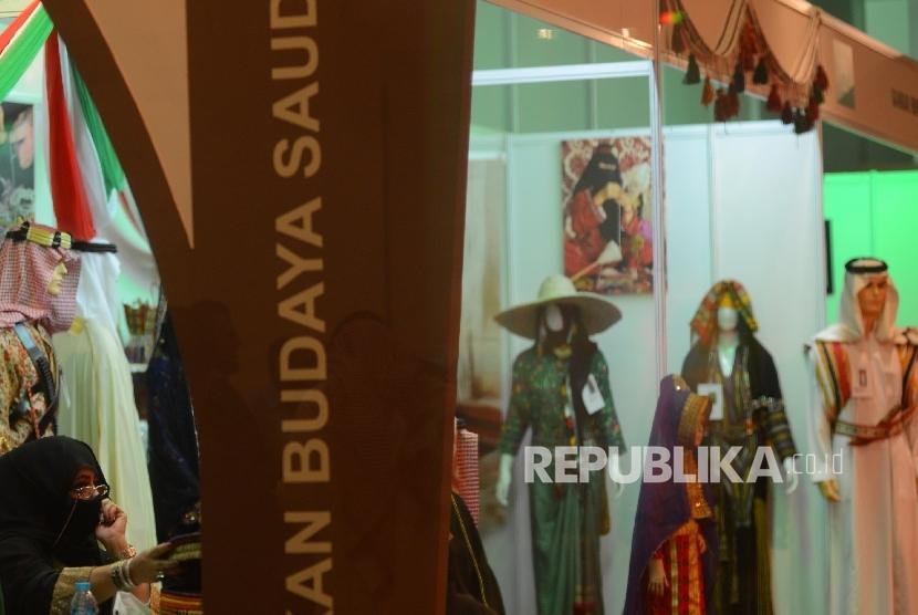 Suasana Pekan Kebudayaan Arab Saudi di Museum Nasional, Jakarta, Sabtu (26/3) malam