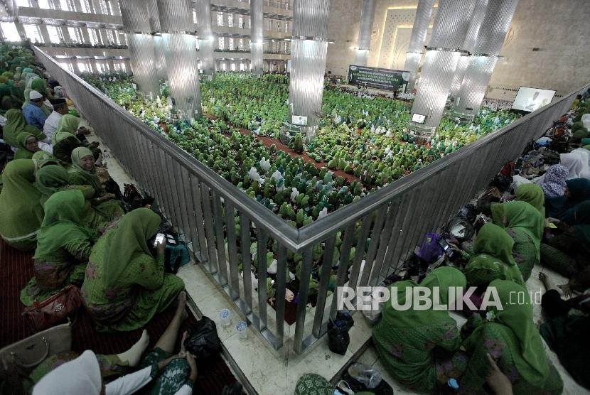 Muslimat Nahdlatul Ulama.