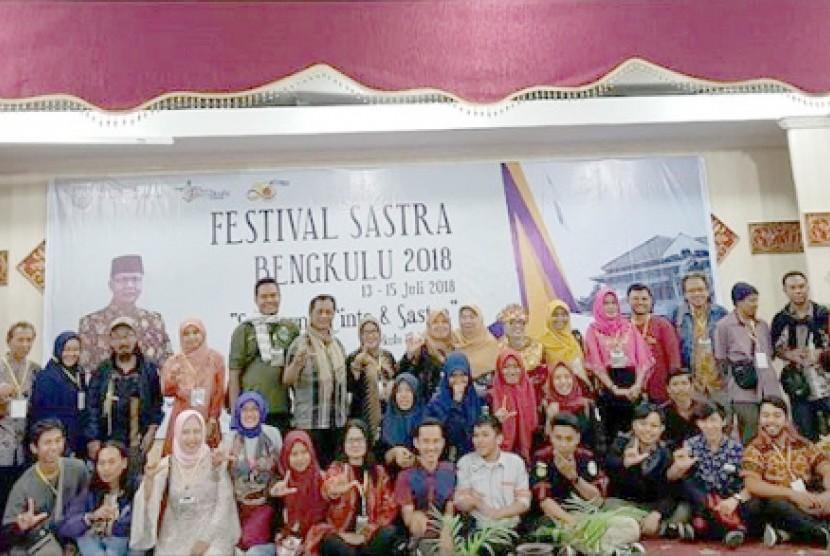 Suasana pembukaan Festival Sastra Bengkulu (FSB) 2018.