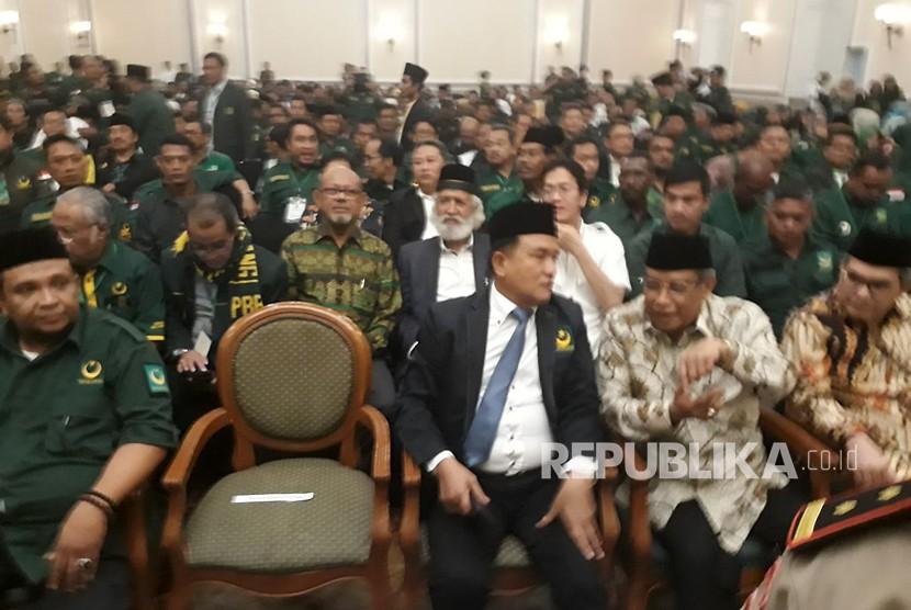 Suasana Pembukaan Musyawarah Kerja Nasional II Partai Bulan Bintang (PBB) di Hotel Peninsula, Jakarta, Jumat (4/5).