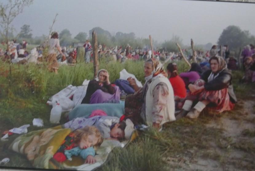 Suasana pengungsian masal di Srebenica. ahun 90-an.