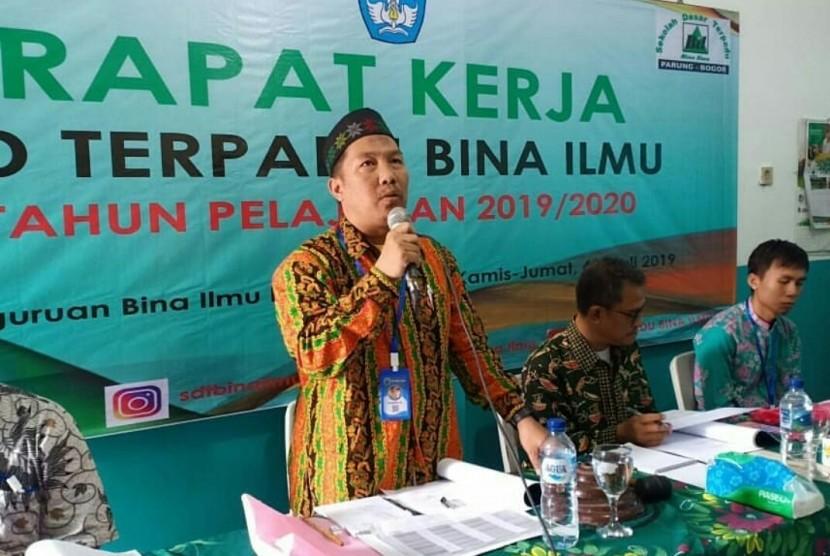 Suasana Raker SDT Bina Ilmu, Parung, Bogor.