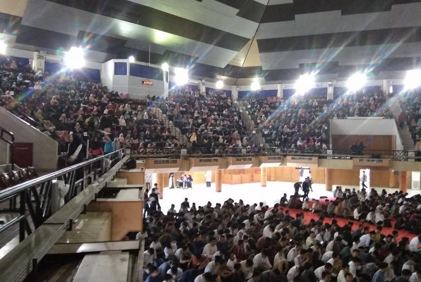 Suasana Studium Generale Pendidikan Agama Islam yang digelar d IPB.i