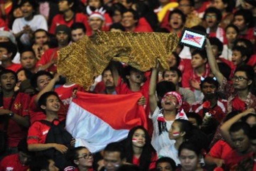 Batik dan bendera Merah Putih. (ilustrasi)
