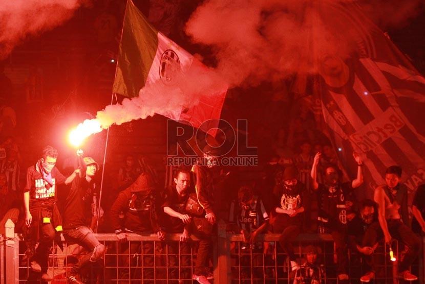 Suporter Juventus . (Republika/ Yasin Habibi)