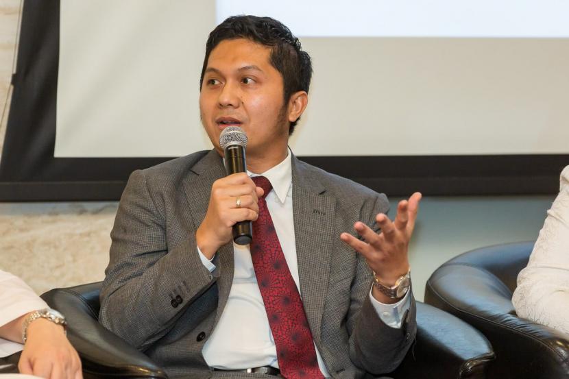 Sutan Emir Hidayat Direktur Pendidikan dan Riset KNEKS. Komite Nasional Ekonomi dan Keuangan Syariah (KNEKS) sedang melakukan pemetaan tema-tema riset terkait ekonomi dan keuangan syariah.