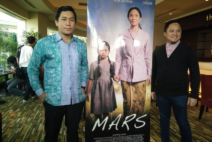 Sutradara film MARS, Sahrul Gibran (kiri) dan Andy Shafik produser (kanan). Keduanya mengatakan MARS jadi film Indonesia pertama yang syuting di Sheldonian Theatre, Oxford University, London, Inggris