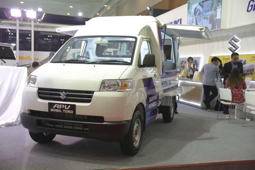 Suzuki APV kini dijumpai dalam berbagai versi salah satunya adalah mobil toko (Moko)