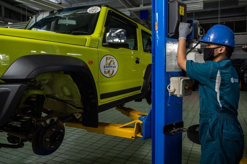 Suzuki Jimny yang mengalami rembesan pada transmisi otomatisnya dapat segera lapor ke bengkel resmi guna perbaikan
