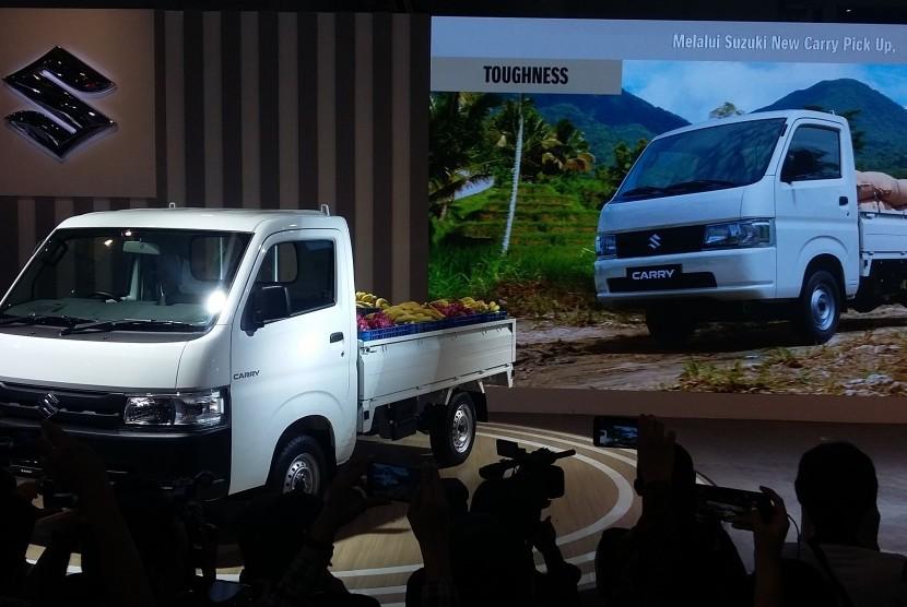 Suzuki New carry ketika secara resmi diluncurkan world premiere, di JIExpo Kemayoran, Kamis (25/4)