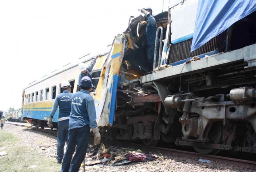 Tabrakan Kereta (Ilustrasi)