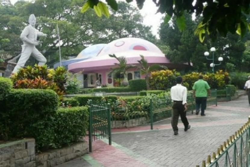 Taman Topi Tempat Wisata Meriah Dan Menyenangkan Di Bogor