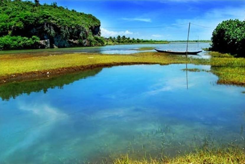View Deck Wahana Baru Gunung Selok Cilacap Republika Online