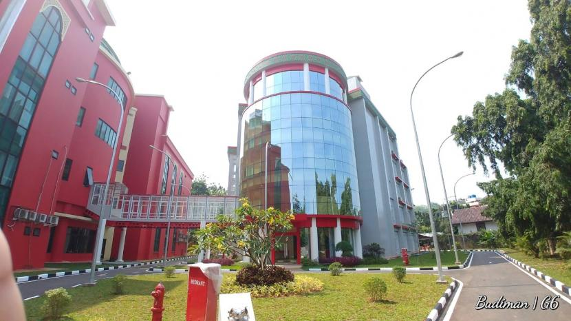 Tampak gedung Fakultas Kedokteran UMJ di Cireundeu, Tangerang Selatan