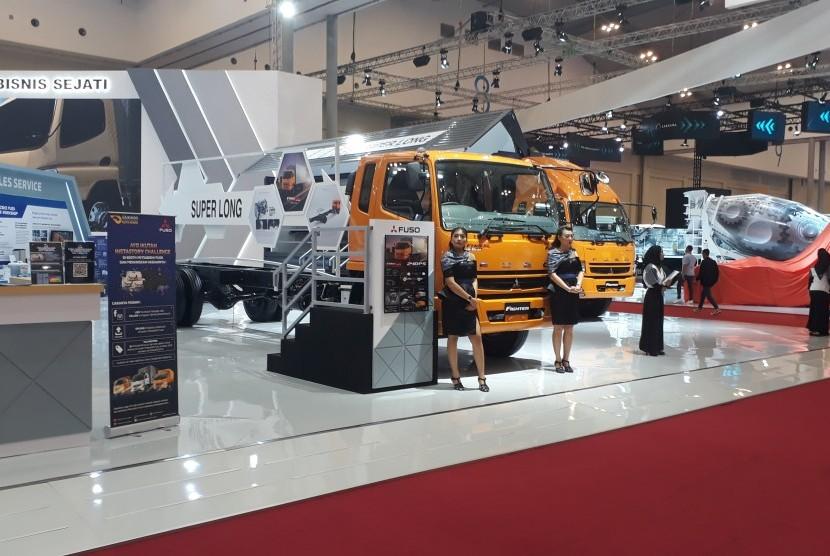 Tampak jajaran truk Fuso Fighter di Gaikindo Indonesia International Auto Show 2019,
