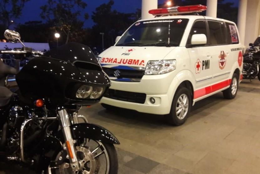 Tampak salah satu ambulans yang diserahkan HDCI kepada PMI