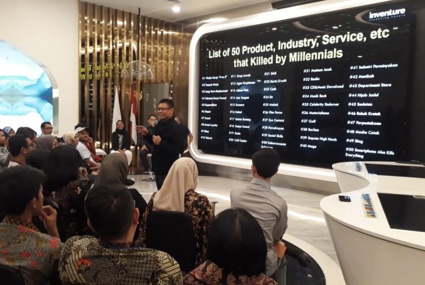 Tampak suasana diskusi buku 'Millenials Kill Everyting' karya Yuswohadi, Kamis (21/3).
