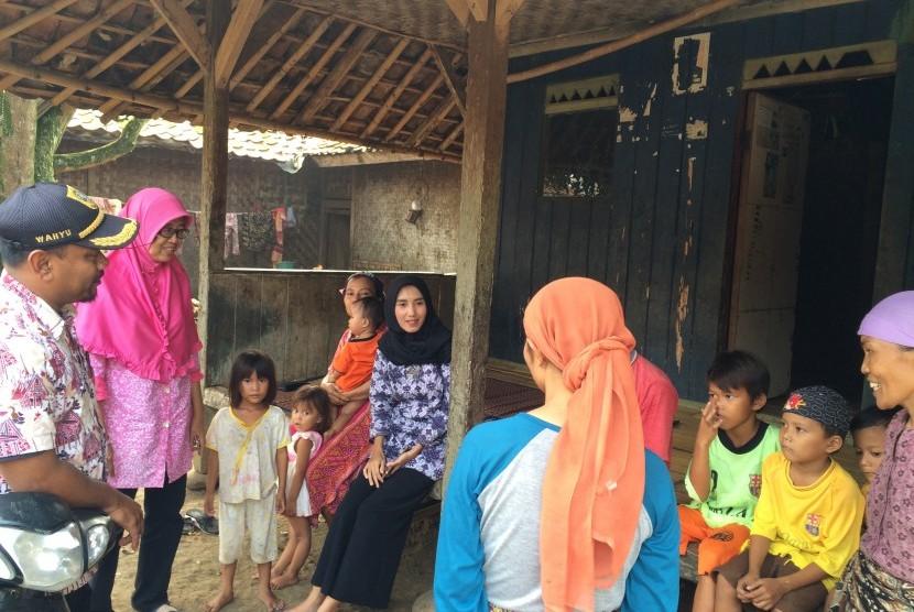 Tampak suasana warga di desa Cipinang, kecamatan Rumpin, kabupaten Bogor, Jawa Barat