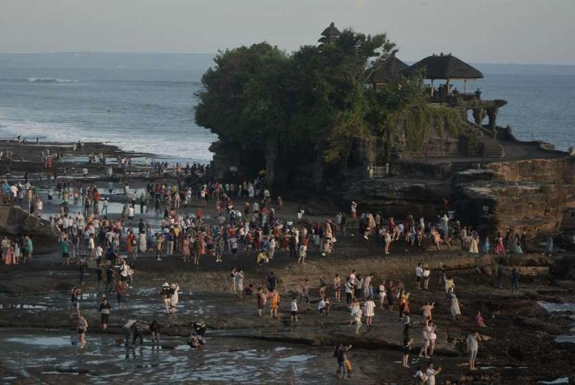 Gubernur Bali Minta Cina Awasi Penjualan Paket Wisata Murah