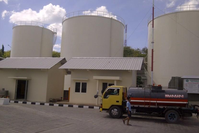 Tangki timbun Pelabuhan Tenau Kupang