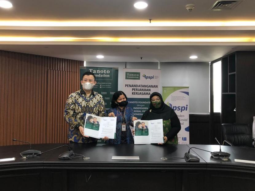 Tanoto Foundation menandatangani kerja sama dengan Independen Pekerja Sosial Profesional Indonesia (IPSPI) di Jakarta Pusat, Rabu (16/6).