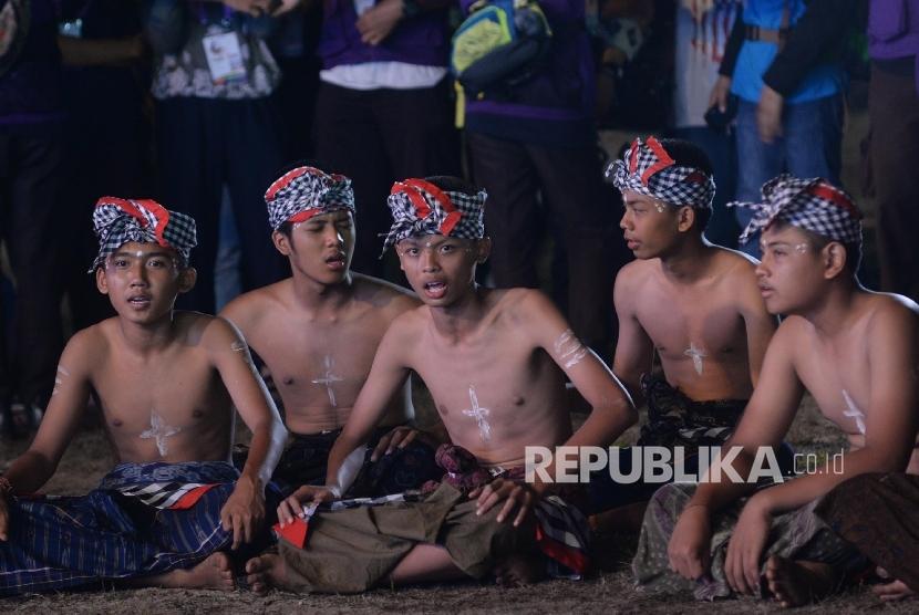 Tarian kecak dari Kontinen Bali (Foto: Yasin Habibi)