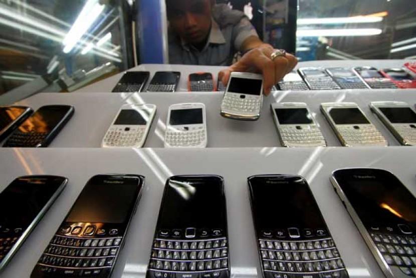 Telepon Selular (ponsel) di salah satu pusat penjualan ponsel di Jakarta.  (ilustrasi)
