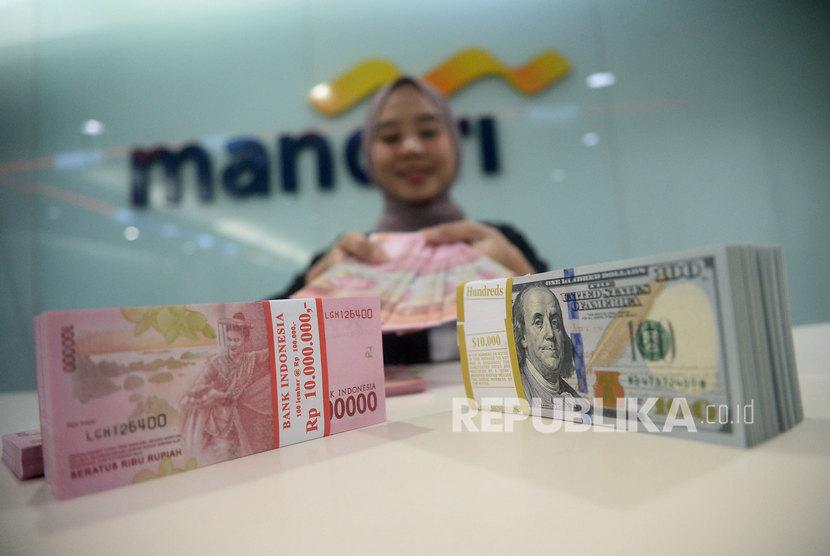 PT Bank Mandiri (Persero) Tbk melakukan penyesuaian kebijakan dan proses kredit segmen Usaha Mikro, Kecil dan Menengah (UMKM).
