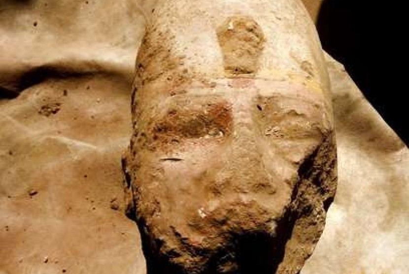 Temuan patung bagian tubuh Ramses II.