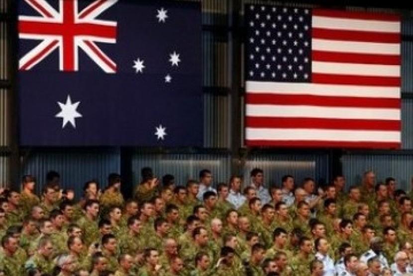 Tentara Australia dan tentara Amerika Serikat berkumpul di Pangkalan Militer Darwin, Australia