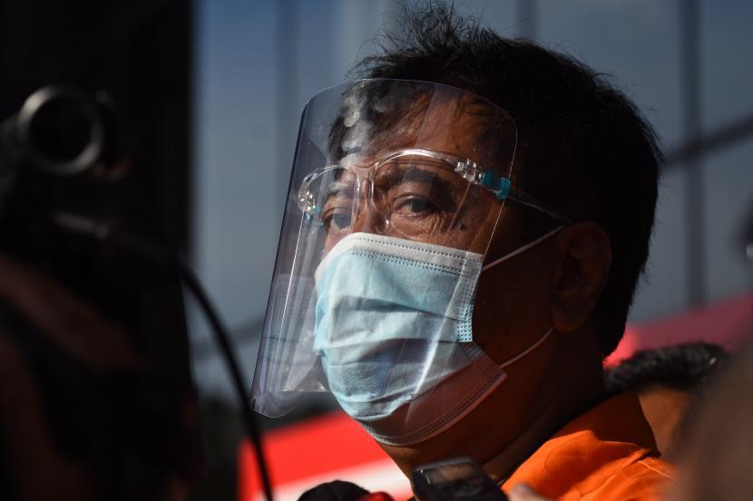 Terdakwa Direktur PT Dua Putera Perkasa Pratama (DPPP) Suharjito berjalan meninggalkan Gedung Merah Putih KPK usai menjalani pemeriksaan di Jakarta, Selasa (23/3/2021). Terdakwa Suharjito diperiksa sebagai saksi bagi tersangka mantan Menteri Kelautan dan Perikanan Edhy Prabowo dalam kasus dugaan suap terkait perizinan ekspor benih lobster.