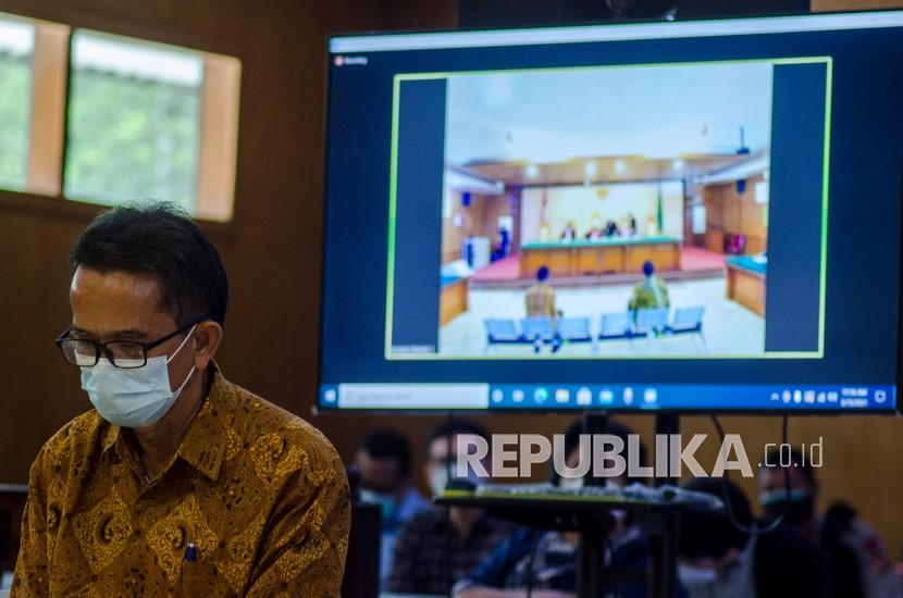 Terdakwa dugaan korupsi kegiatan penjualan dan pemasaran pada PT Dirgantara Indonesia (PTDI) Tahun 2007-2017 Budi Santoso.