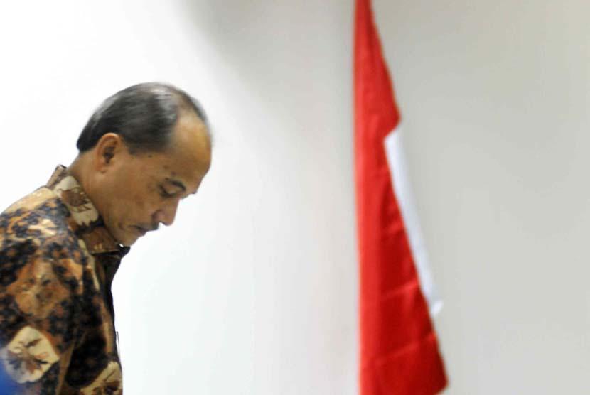 Terdakwa kasus dugaan korupsi pemberian fasilitas pendanaan jangka pendek (FPJP) dan penetapan Bank Century sebagai bank gagal dengan terdakwa, Budi Mulya mengikuti sidang lanjutan di Pengadilan Tipikor, Jakarta, Senin (2/6).