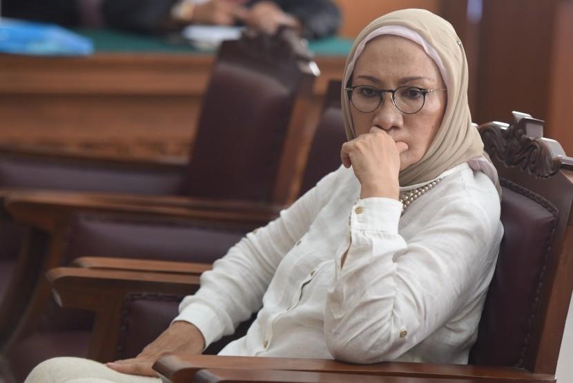 Terdakwa kasus dugaan penyebaran berita bohong atau hoaks Ratna Sarumpaet bersiap mengikuti sidang lanjutan di PN Jakarta Selatan, Kamis (11/4/2019).