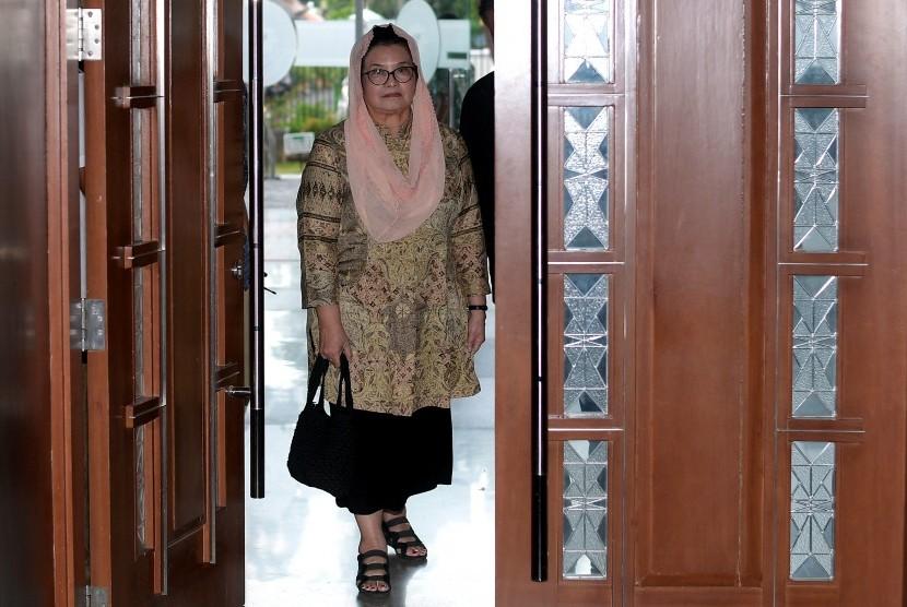 Terdakwa kasus korupsi alat kesehatan yang juga merupakan mantan Menteri Kesehatan Siti Fadilah Supari tiba untuk menjalani sidang tuntutan di Pengadilan Tipikor, Jakarta, Rabu (31/5).