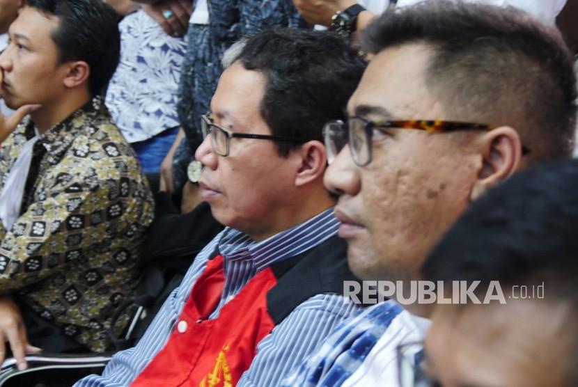 Terdakwa kasus penghilangan barang bukti dan pengaturan skor Joko Driyono menunggu persidangan di Pengadilan Negeri Jakarta Selatan, Kamis (4/7). Terdakwa akan mengikuti persidangan dengan agenda pembacaan tuntutan.